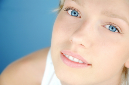 woman with blue eyes and contacts