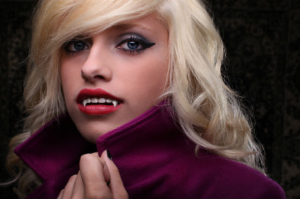 The fashion vampires with gold teeth 33